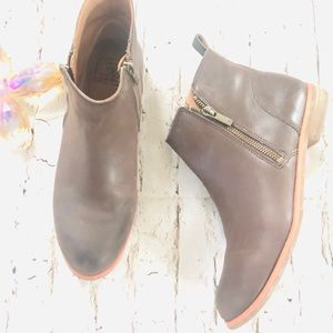 Lucky brand women's brown leather booties rare 8